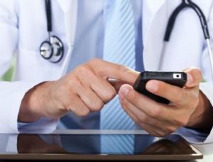 Johns Hopkins School of Medicine students invent app that checks your symptoms