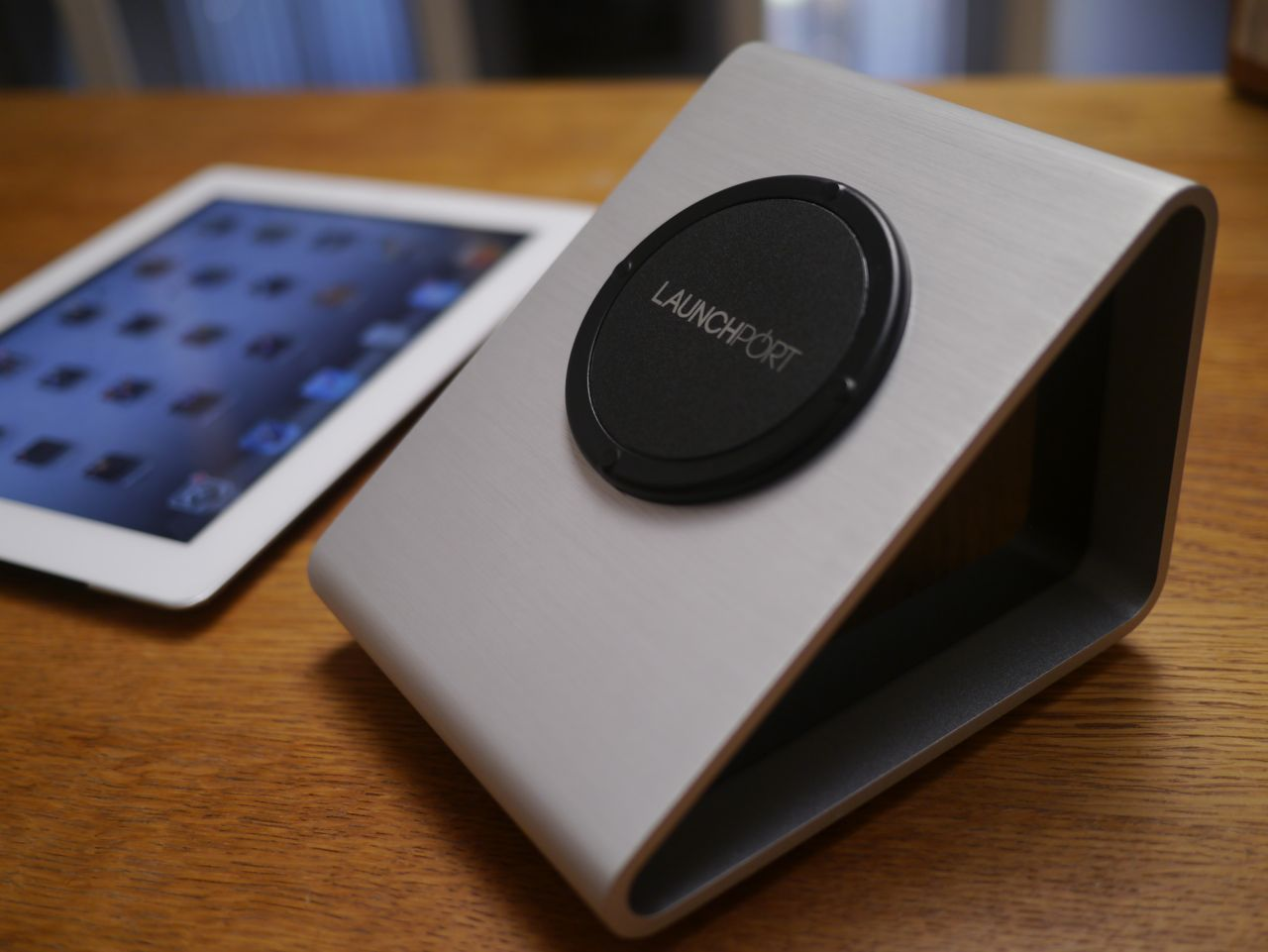 Review of the LaunchPort Wireless Charging Sleeve for iPad ...