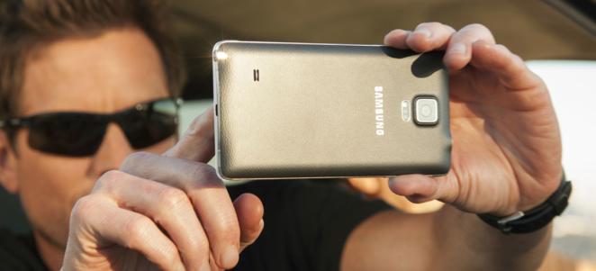 UV sensor on Samsung Galaxy Note 4 doesn't make sense